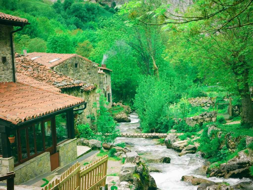 A small river through Bulnes.