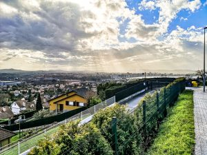 The return way from La Providencia to Gijón city center reveals more stunning views.